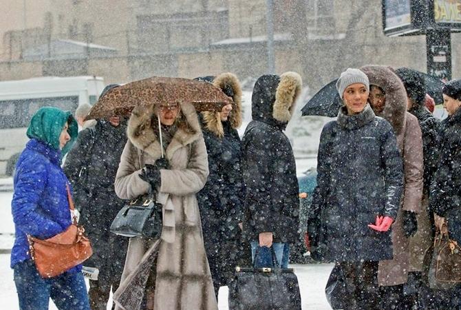В неприятную погоду можно взять с собой зонт